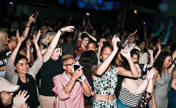 crowdshot